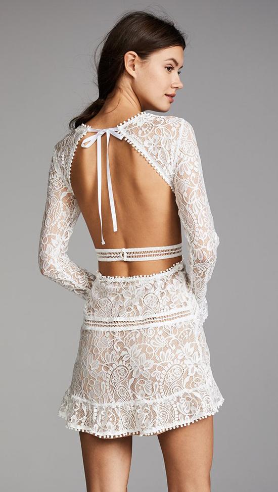 Đầm khoe lưng trần hot trend cho mùa hè - 5