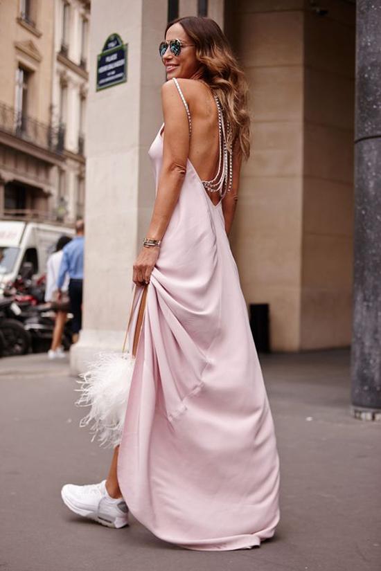 Đầm khoe lưng trần hot trend cho mùa hè - 10