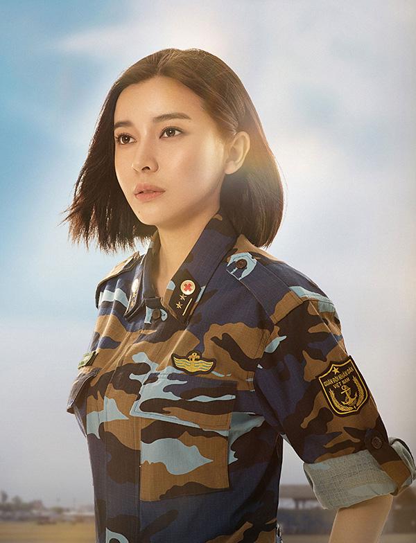Cao Thái Hà vào vai Trung úy Minh Ngọc, ứng với vaiTrung úy Joon trong bản gốc.