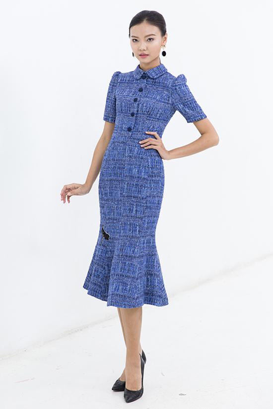 Sài Gòn đã bước vào mùa mưa, thay vì chọn đồ tránh nóng thì phái đẹp lại tìm đến các kiểu trang phục thời trang nhịp nhàng cùng thời tiết.