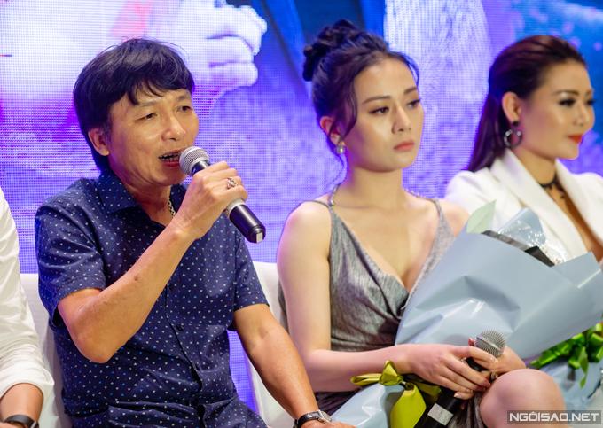 Đạo diễn Mai Hồng Phong tại buổi họp báo ra mắt phim.
