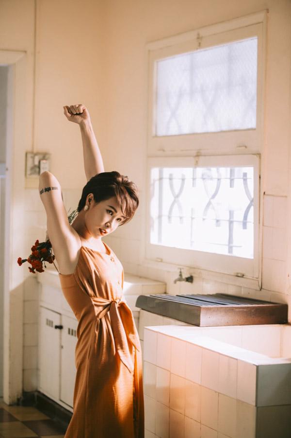 Truong Thanh Long lam nguoi tinh cua Uyen Linh trong MV moi