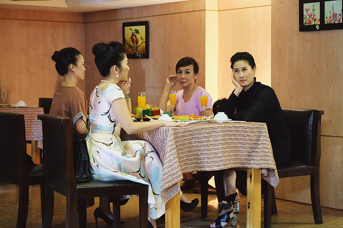 New movie by Than Thuy Ha directed by Vo Viet Hung.  The 30-year-old gag mate, officially debuted on July 12th on HTV9.