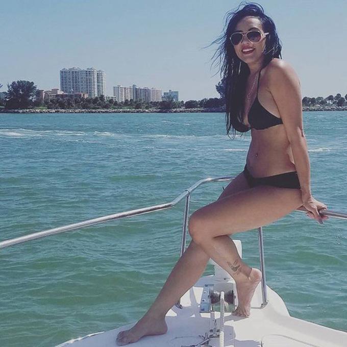 Bà ngoại 38 tuổi khoe dáng trong bộ bikini gợi cảm. Ảnh: PA Real Life.