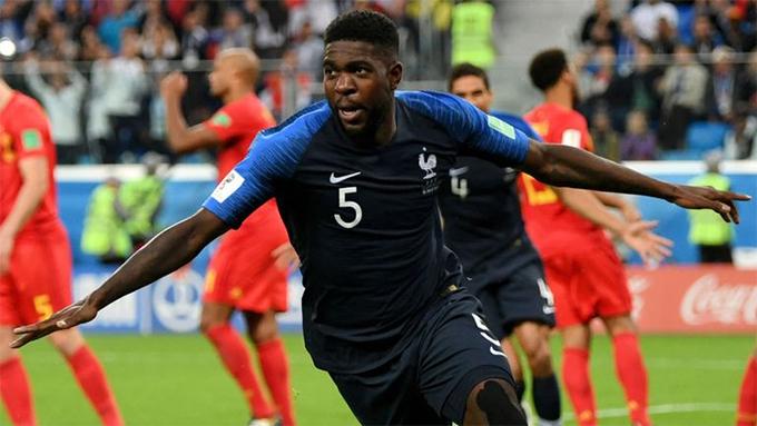 Phút 51 của trận bán kết World Cup 2018 giữa Pháp và Bỉ, Umtiti mở tỷ số cho Pháp với pha đánh đầu dũng mãnh từ một tình huống đá phạt góc. Bàn thắng duy nhất của trung vệ Barcelona giúp đội bóng xứ lục lăng đánh bại Bỉ với tỷ số 1-0 để giành quyền vào chung kết.