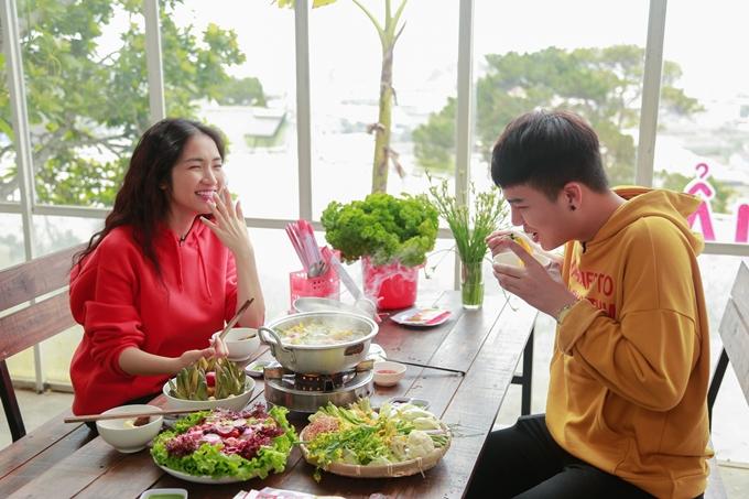 Duy Khánh suýt đau tim khi chơi cảm giác mạnh với Hòa Minzy - 9