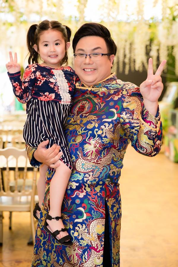 Gia Bao dong hoc phi hon 90 trieu mot nam cho con gai sau ly hon