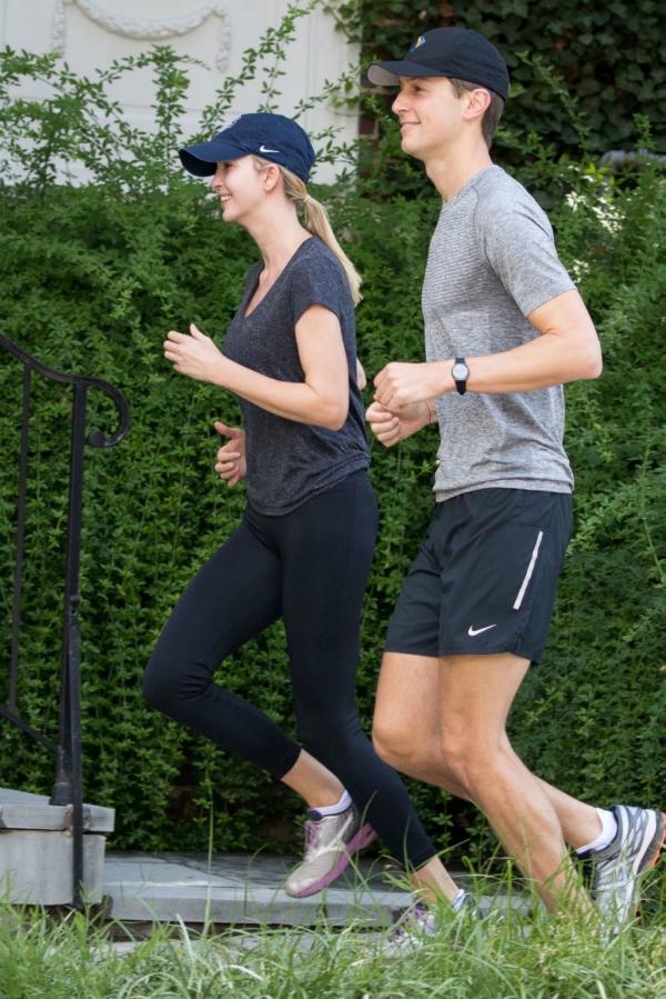 Chạy bộ là bí quyết để Ivanka có đủ sức khỏe, sự dẻo dai cho cả ngày làm việc cũng như giữ gìn vóc dáng thon gọn.
