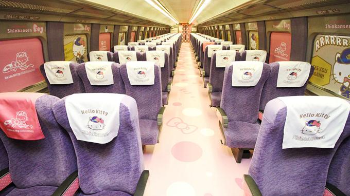 Chuyến tàu Hello Kitty đưa hành khách lạc vào thế giới thần tiên - ảnh 1