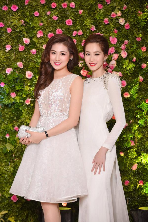 Hoa hậu Thu Thảo sẽ dự đám cưới của Tú Anh vào ngày 21/7 tới.
