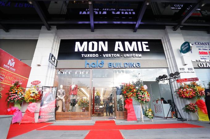 Nhiều diễn viên dự khai trương Mon Amie Suit - Sài Gòn Pearl