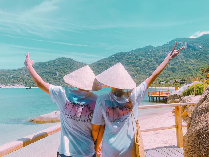 Đôi uyên ương vừa có chuyến du lịch ngọt ngào ở Nha Trang.
