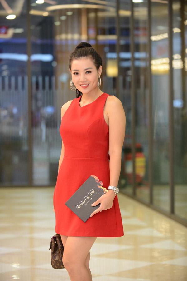 Thanh Huong xach tui hieu 57 trieu dong di xem phim