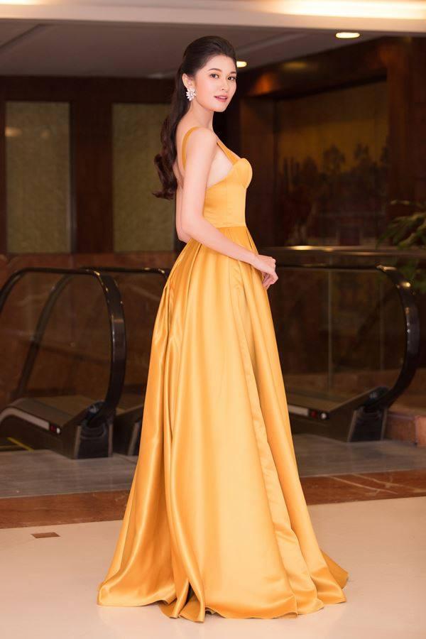 Thời gian gần đây, á hậu Thuỳ Dung nhận được nhiều lời khen gợi về cách chọn trang phục và xây dựng hình ảnh mới.