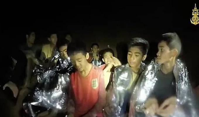 Các thiếu niên xuất hiện gầy gò trong video do đặc nhiệm SEAL của Hải quân Thái Lan. Ảnh: Thai Royal Navy.
