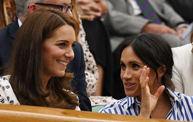 Tư thế cho thấy Meghan có tình bạn thân thiết với Kate. Ảnh: AFP.