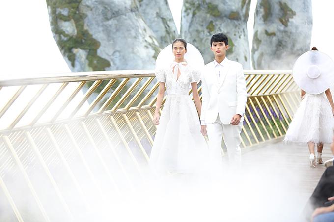 Lần đầu trình làng bộ sưu tập tại quê nhà, Chung Thanh Phong đã giới thiệu 35 mẫu thiết kế mang tên Nàng Mây.