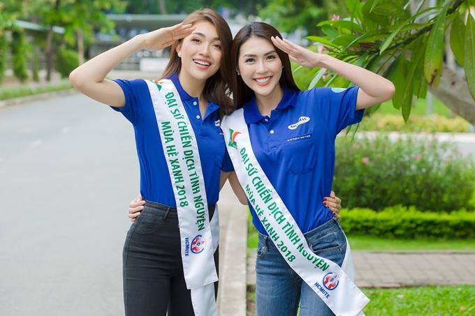 Le Hang Tuong Linh mac nang dong di giao luu voi sinh vien