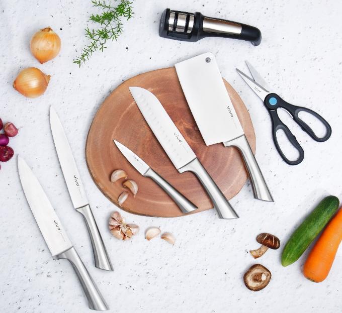Bộ dao từ thương hiệu Vivo là quà tặng thiết thực cho gian bếp của bà nội trợ.