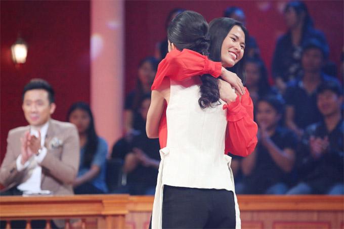 Cao Thien Trang lam lanh Thuy Duong sau on ao Team Sang luc duc