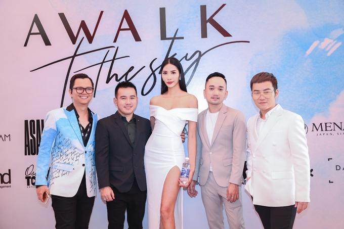 Cựu HLV The Face 2017 hội ngộ NTK Lê Thanh Hòa, Chung Thanh Phong, Lê Ngọc Lâm và đạo diễn Long Kan.