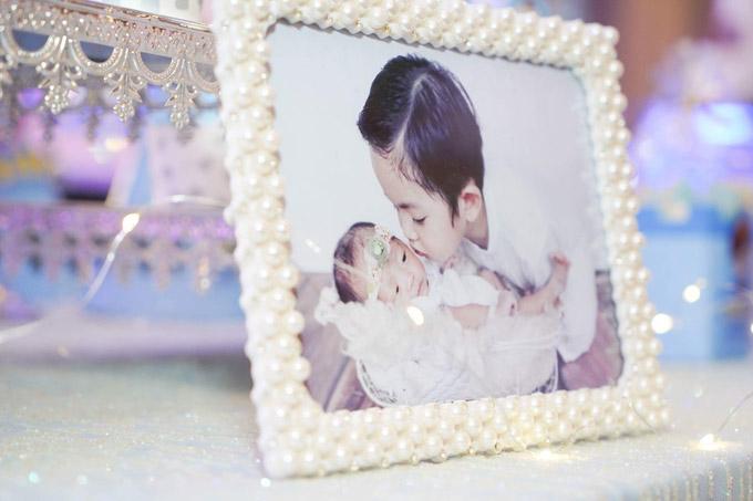 Khánh Thi trang trí nhiều hình ảnh gia đình hạnh phúc tại bữa tiệc - 6