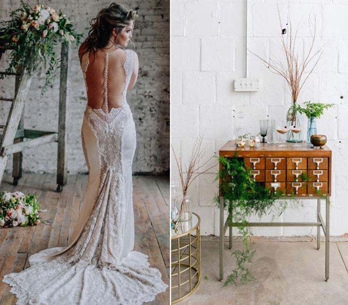 Cô dâu chọn chiếc váy hở bạo để khoe trọn tấm lưng trần và sử dụng hoa cưới có ba màu sắc cơ bản của bảng màu Urban Vintage.