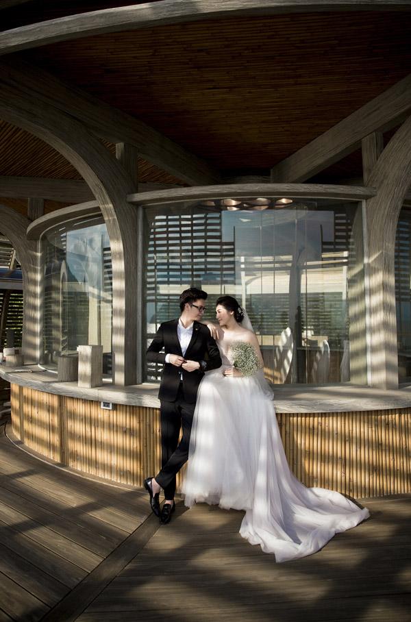 Ảnh cưới lãng mạn của Á hậu Tú Anh và hôn phu kém một tuổi - 5