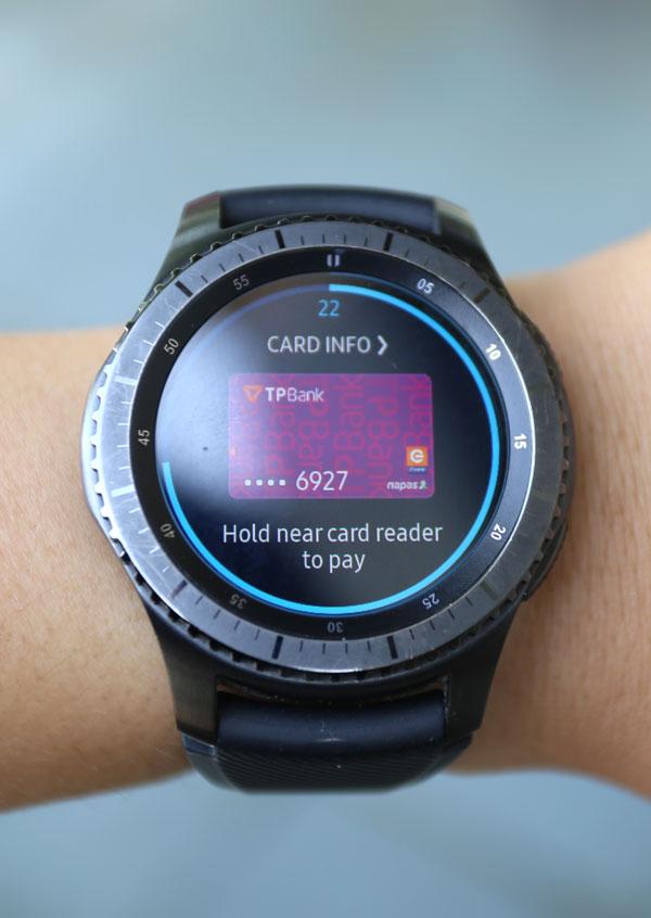 Việc cài đặt Gear Pay cần sự hỗ trợ của smartphone.