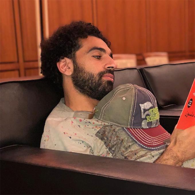 Salah được đặt rất nhiều kỳ vọng khi tham dự World Cup 2018. Tuy nhiên, do chưa hoàn toàn bình phục chấn thương, anh không thể hiện được hết khả năng của mình. Chân sút 26 tuổi vẫn ghi được hai bàn thắng nhưng Ai Cập sớm phải dừng chân ở vòng bảng sau ba trận toàn thua trước Nga, Uruguay và Arab Saudi. Sau kỳ nghỉ, cuối tháng này, Salah sẽ trở lại tập luyện cùng Liverpool chuẩn bị cho mùa giải mới. Ở mùa giải trước, anh đoạt danh hiệu Vua phá lưới Premier League với 32 bàn thắng đồng thời là Cầu thủ hay nhất giải.