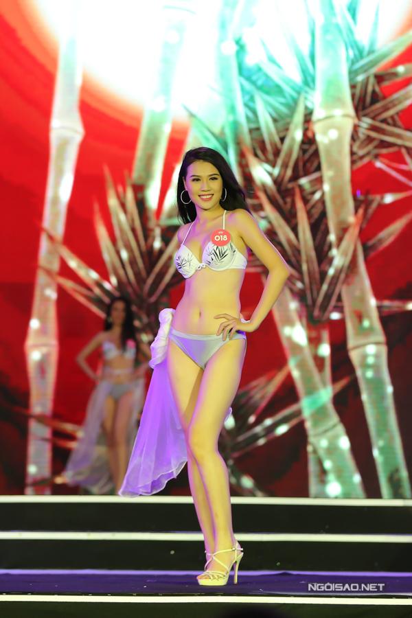 Thí sinh miền Bắc Hoa hậu VN trình diễn bikini (2) - 1
