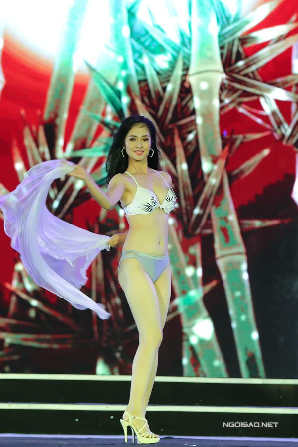 Thí sinh miền Bắc Hoa hậu VN trình diễn bikini (2) - 5