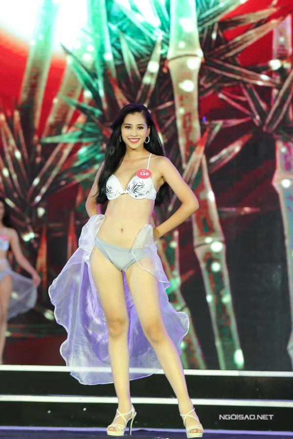 Thí sinh miền Bắc Hoa hậu VN trình diễn bikini (2) - 8