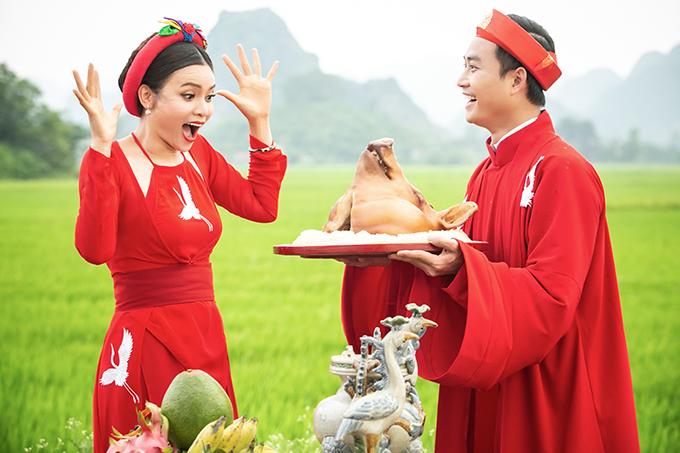 Ca sĩ Phạm Phương Thảo được diễn viên Tiến Lộc cầu hôn giữa cánh đồng 5