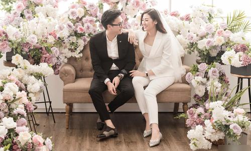 Ảnh cưới trong studio lần đầu được tiết lộ của Tú Anh