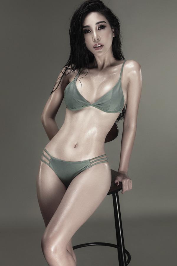 Hồi tháng 5, Mỹ Duyên mới tái xuất với vai trò diễn viên trong phim ngắn Hẹn biển của đạo diễn Kelvin Lê. Cô vừa thực hiện bộ ảnh, khoe vóc dáng sexy với áo tắm. Người đẹp muốn trở thành nghệ sĩ đa năng, vừa làm người mẫu, MC kiêm diễn viên.