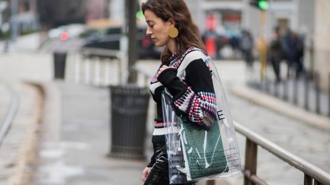 Cuộc chiến túi nhựa trong của các thương hiệu nổi tiếng - 3