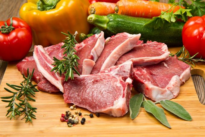 Thịt, trứng và cá là những thực phẩm chứa nhiều purin có thể gây phân hủy thànhacid uric trong nước tiểu.