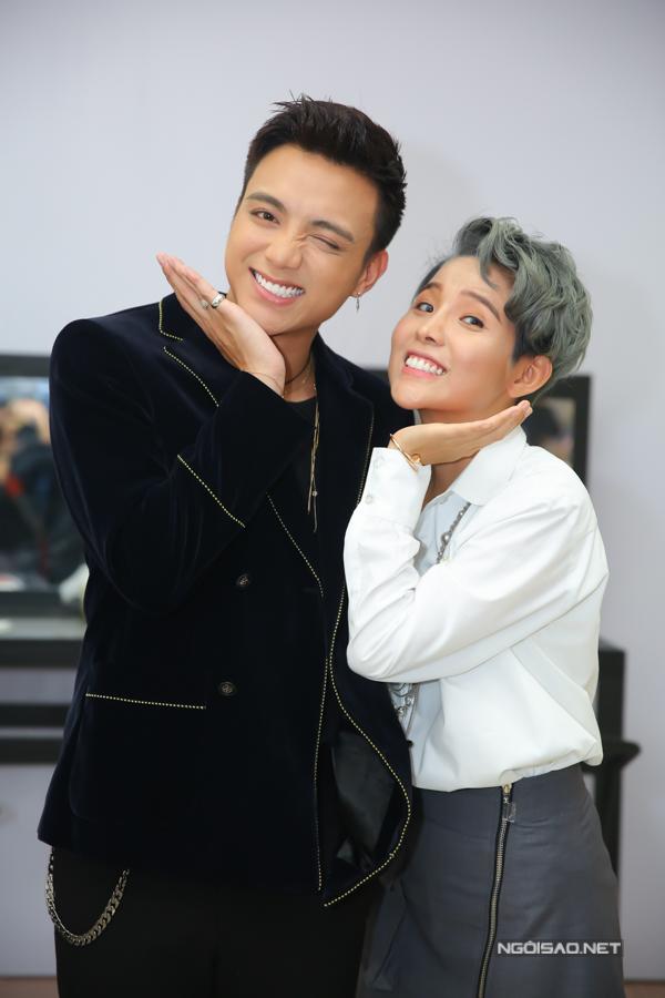 Tại The Voice Kids năm nay, Vũ Cát Tường sẽ kết hợp cùng Soobin Hoàng Sơn thành một cặp trên ghế nóng.