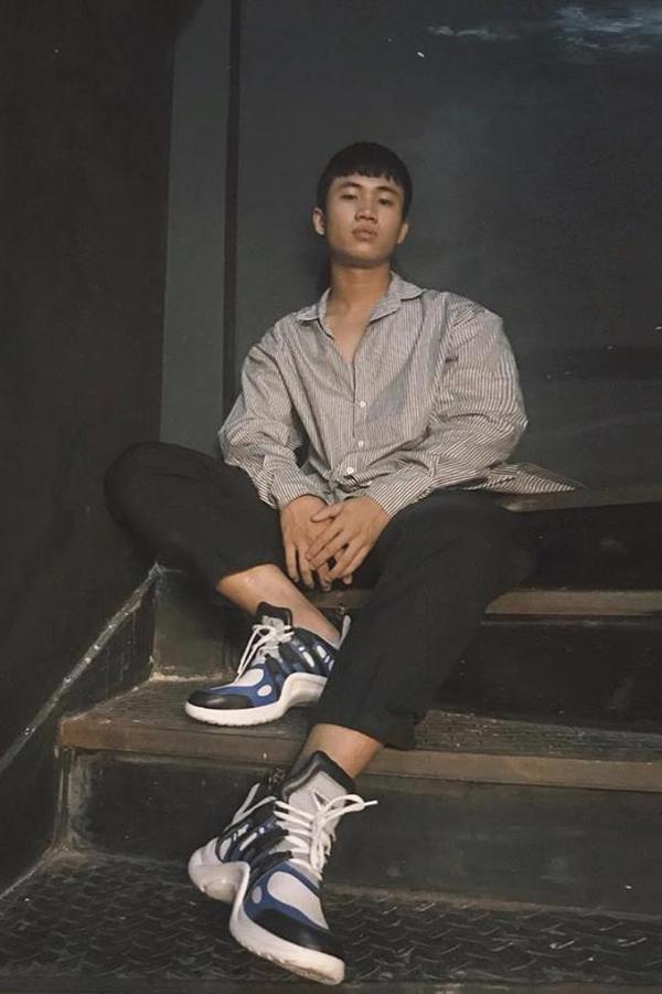 Mẫu giày thô kệch giá 25 triệu đồng được sao Việt yêu thích - ảnh 11