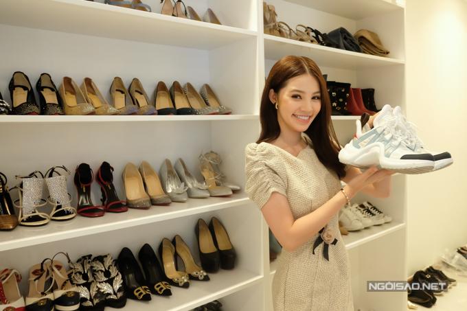 Mẫu giày thô kệch giá 25 triệu đồng được sao Việt yêu thích - ảnh 4