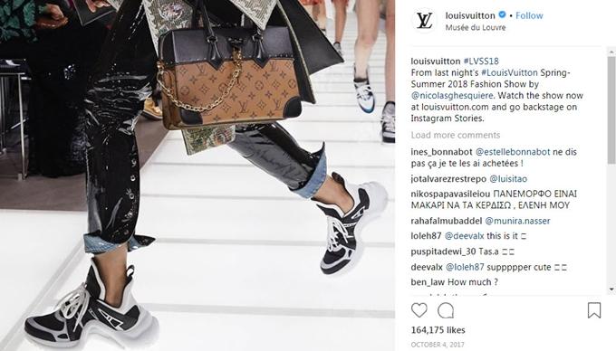 Mẫu giày thô kệch giá 25 triệu đồng được sao Việt yêu thích - ảnh 2