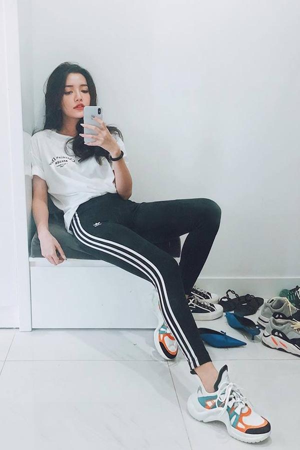 Mẫu giày thô kệch giá 25 triệu đồng được sao Việt yêu thích - ảnh 7