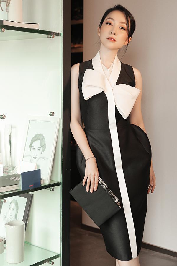 Trang phục đi tiệc cho giới văn phòng thay vì đính kết cầu kỳ lại được tạo điểm nhấn bằng tông màu trang nhã, phom dáng tôn nét sang trọng.