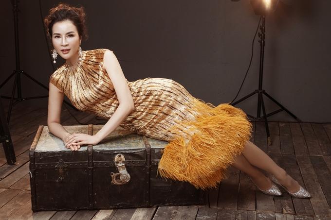 Nhiếp ảnh: Milor Trần, Stylist: Đinh Thanh Long, trang điểm: Hưng Đặng.