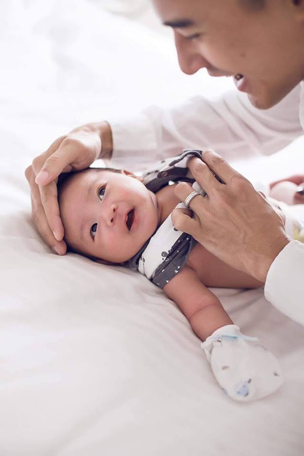 Bảo Bảo tên thật Lương Thế Bảo, sinh ngày 27/6 tại nước ngoài. Khi gần 1 tháng tuổi, cậu bé mới được bố mẹ đưa về Việt Nam. Thúy Diễm hay bị bạn bè trêu là đẻ thuê vì con trai quá giống bố.