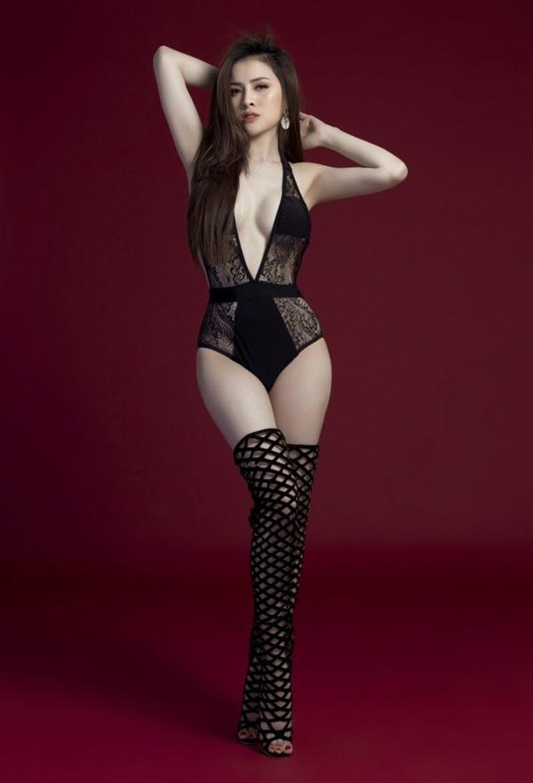 Số đo của người đẹp là 88-60-95. Cô tiết lộ đã nhận được nhiều lời mời quảng cáo thời trang nội y, áo tắm.