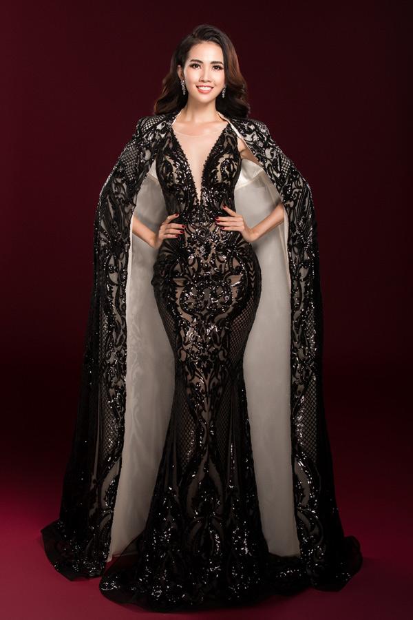 Trong các hoạt động bên lề như trình diễn bikini, trang phục dân tộc... Phan Thị Mơ luôn có mặt trong top 10 thí sinh ấn tượng nhất. Top 5 Hoa hậu Việt Nam 2012 quyết tâm sẽ đoạt thành tích cao tại World Miss Tourism Ambassador2018.