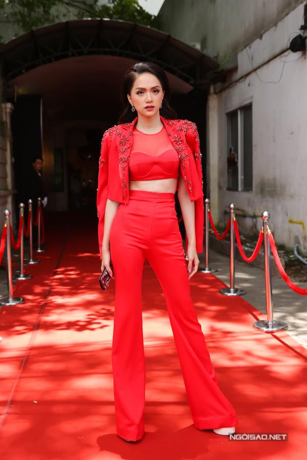 Sau khi giành được danh hiệu hoa hậu chuyển giới, Hương Giang đắt show giám khảo và được tham gia vào nhiều chương trình tổ chức hoành tráng.