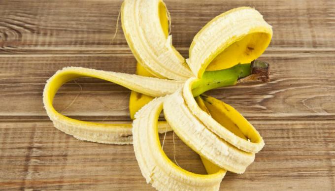 Vỏ chuối chứa nhiều kali và các loại vitamin có khả năng làm chậm quá trình hình thành nếp nhăn.